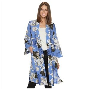 NWT Jennifer Lopez Kimono Floral and Long. Pockets